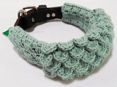 Crocodile dog scarf crochet pattern that slides over by Unseign