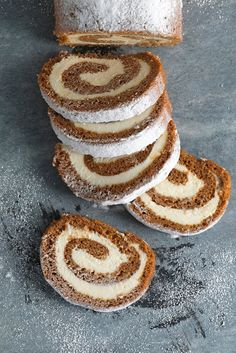 Pumpkin Cream Cheese Roll Ladies and gentlemen, allow me to present to you the pumpkin dessert of your dreams. This Pumpkin Cream Cheese Roll ticks off all my fall-and-pumpkin-themed boxes. Cream Cheese Rolls Recipe, Pumpkin Cream Cheese Roll, Pumpkin Roll Cake, Pumpkin Dessert, Pumpkin Cheesecake, Pumpkin Rolls, Roll Recipe, Sage Butter Sauce, Cheese Rolling