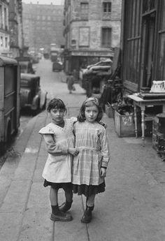 La Place Maubert, Paris, 1954 (Edouard Boubat)