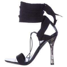 Preowned Tom Ford For Gucci Ribbon And Mother-of-pearl Sandals ($995) ❤ liked on Polyvore featuring shoes, sandals, black, kohl shoes, sexy black shoes, sexy shoes, black sandals and tom ford shoes