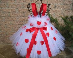 Highest quality Kid Tutu Clothes for your own personal little one, You'll find that we have a very nice choice of hand made baby young one skirt clothes. Pink And Red Dress, Pink Tutu Dress, Girls Tutu Dresses, Gowns For Girls, Tutus For Girls, Long Dresses, Dress Long, Baby Dress, Party Dresses