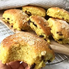 ideas for cake decorating chocolate baking Danish Dessert, Danish Food, Christmas Recipes For Kids, Christmas Baking, Cake Mix Desserts, Low Carb Burger, Brunch, Sushi, Bread Cake