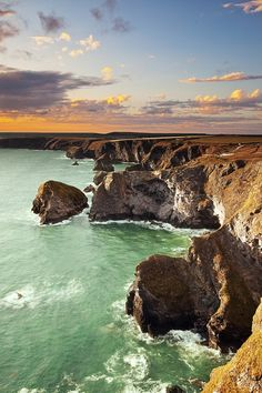 """The Bedruthan Steps and Park Head"""" is situated on the northern coast of Cornwall between Padstow and Newquay."""