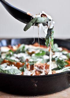 30 Minute Skillet Lasagna | howsweeteats.com