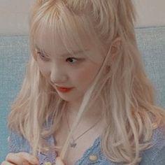 South Korean Girls, Korean Girl Groups, Hair Icon, Cha Eun Woo Astro, G Friend, K Idols, Aesthetic Anime, Kpop Girls, Blonde Hair
