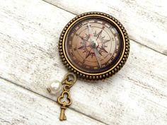 Ansteckbroschen - Kompass Brosche in braun bronze, Seefahrt - ein Designerstück von glitzerkaestchen bei DaWanda