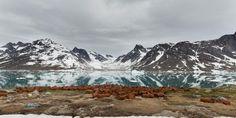 """""""Aux yeux des Groenlandais, ces bases en décomposition sont un souvenir amer d'un accord pour lequel ils n'ont pas été consultés, menaçant potentiellement leur mode de vie. En effet, ce n'est qu'en 1979 que le Danemark a accordé au Groenland son autonomie partielle. Selon Inuuteq Holm Olsen, de nombreux Groenlandais vivent de chasse et de pêche ; or, il n'existe aucune façon de savoir ce qui a été pollué.""""…"""