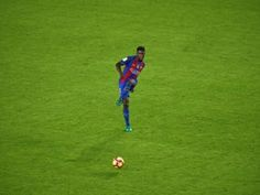 Report: Barcelona to offer Samuel Umtiti bumper new contract