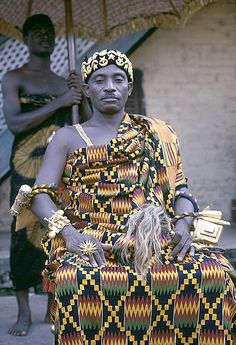 Africa   Asante Paramount Chief Nana Akyanfuo Akowuah Dateh II. He was both Akwamuhene (chief of Akwamu, one of the early Akan kingdoms) and Asafohene (captain of an Asafo company, or a ceremonial head of a group of kinsmen).  Kumasi, Ghana. 1970   © Eliot Elisofon