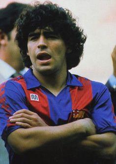 Una imagen más de Diego Armando Maradona, quien le cedió su apodo 'D10S' a Messi cuando Leo se constituyó en el Alfredo Di Stéfano del FC Barcelona en el Siglo XXI. (Foto enviada por Joan Fontes)