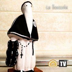 Particolare del troccolante nella processione della Addolorata a Taranto