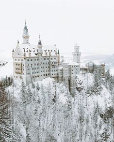 The Neuschwanstein Castle in winter - Architecture and Urban Living - Modern and Historical Buildings - City Planning - Travel Photography Destinations - Amazing Scary Places Beautiful Castles, Beautiful Places, Wonderful Places, Architecture Jobs, Germany Castles, Neuschwanstein Castle, Fairytale Castle, Snow Castle, Frozen Castle
