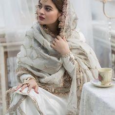 Shadi Dresses, Pakistani Formal Dresses, Indian Gowns Dresses, Pakistani Wedding Outfits, Pakistani Bridal, Eid Dresses, Indian Designer Outfits, Indian Outfits, Designer Dresses