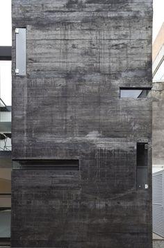 Gallery of Luis Anhaia Studio / Zemel + ARQUITETOS - 5 Concrete Architecture, Space Architecture, Residential Architecture, Contemporary Architecture, Architecture Details, Exterior Design, Interior And Exterior, Concrete Houses, Concrete Structure