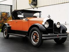1925 Marmon D-74 two door convertable...great color.