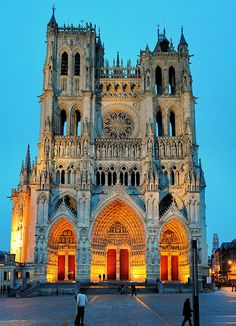 The Cathedral of Amiens in the evening. by Liêm Phó Nhòm (too busy with other things), via Flickr