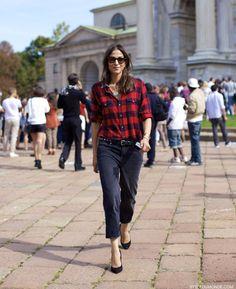street-style-capucine-safyurtlu-checked-shirt-boyfriend-jeans-styledumonde