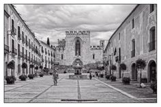 https://flic.kr/p/yb1TUB | Santes Creus | Monastery of Santa Maria de Santes Creus (Catalan: Reial Monestir de Santa Maria de Santes Creus) is a Cistercian monastery in the municipality of Aiguamúrcia, Catalonia, Spain.
