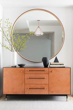 Foyer Entry Table with Large Round Mirror - Best Entry Table Decor Ideas: How To Decorate A Foyer Entryway Table For A Perfect Front Door Entrance Area Feng Shui Small Living Room, Small Living Room Layout, Small Living Rooms, Feng Shui Entryway, Entryway Decor, Entrance Table Decor, Entry Tables, Entry Table With Drawers, Modern Entry Table