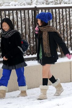 japanese school girls uniform in the winter 04