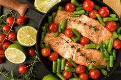 Day-Off Diet Green Bean Salad With Salmon: Get your dose of omega-3s with this colorful salmon recipe.