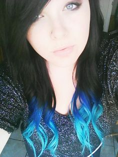 Black and blue ombre hair, I love this, I'm considering doing this to my hair :)