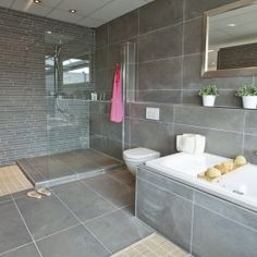 Like the style of this bathroom.. except ours is 2,5 by 1,9m..