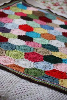 Coco Rose Diaries: The Circus Patchwork Blanket Ta-dah.......  #crochet #hexagon