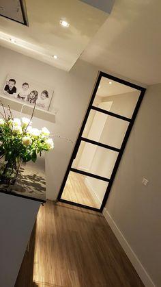 Zwart glazen deur - Lilly is Love Interior Design Software, Office Interior Design, Office Interiors, Interior Decorating, Interior Modern, Steel Doors And Windows, Doctors Office Decor, Kitchen Design, House Design