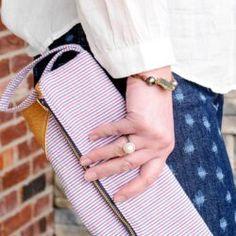 DIY Monogrammed Cork Clutch Tutorial Purse Patterns, Sewing Patterns Free, Free Sewing, Sewing Tutorials, Sewing Projects, Bow Clutch, Leather Clutch, Diy Leather Laptop Sleeve, Clutch Tutorial