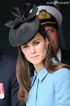 """Kate Middleton lors de la cérémonie sur la plage """"Gold Beach"""" à Arromanches pour les commémorations du 70e anniversaire du débarquement sur les plages de Normandie lors de la Seconde Guerre Mondiale, le 6 juin 2014."""