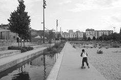 Michel Corajoud, Les Jardins d'Éole, le jardin des graviers et le canal planté, Paris, juillet2010.