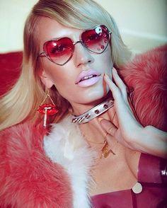 70s babe Amy Hixson  #outtake from my #glamouritalia shoot with Model #amyhixson…