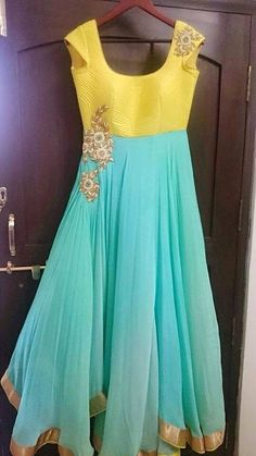 59 Ideas dancing outfits for women simple for 2019 Anarkali Dress, Red Lehenga, Lehenga Choli, Bridal Lehenga, Mode Bollywood, Bollywood Fashion, Indian Attire, Indian Outfits, Indian Wear