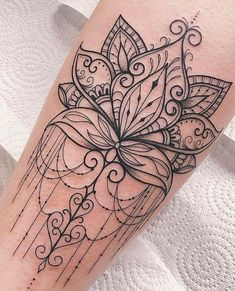40 Simple Cute Tattoo Ideas Designs For You These trendy Tattoos ideas would gain you amazing compliments. Check out our gallery for more ideas these are trendy this year.The Most Beautiful Mandala Tattoos ever - TopstoryfeedPlacement: back if thigh Mini Tattoos, Trendy Tattoos, Leg Tattoos, Flower Tattoos, Body Art Tattoos, Small Tattoos, Tattoos For Women, Tatoos, Best Female Tattoos
