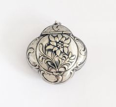 Antique French Locket / 1910s Art Nouveau Pill Box Medaillon / Powder Compact Pendant