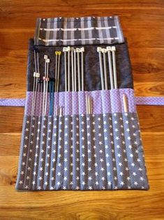 Beautiful and practical - scissors and knives, Dyi Couture, Sewing Hacks, Sewing Projects, Knitting Needle Storage, Creation Couture, Purse Organization, Fabric Storage, Dressmaking, Sewing Patterns