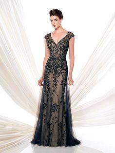 Vestido de renda preto frente.