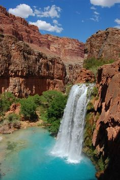 I want to hike Havasu Falls Trail with all my being.