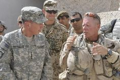 General Petraeus Medals | general david petraeus and canadian gen jon vance discuss the ...