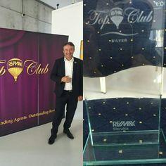 Blahoželáme aj nášmu ďalšiemu kolegovi - Peter Badida - maklér pre Košice RE/MAX Benard, ktorý si včera prevzal ocenenie SILVER prestížneho TOP Clubu RE/MAX Slovakia http://www.re-max.sk/peterbadida