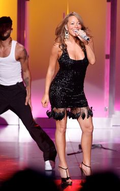 Mariah Carey Singing, Maria Carey, World Music Awards, Adrienne Bailon, Lauren London, Christina Milian, Olivia Munn, Nicole Scherzinger, Kate Beckinsale