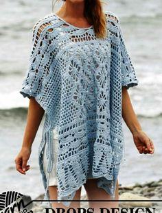 Crochet DROPS poncho with lace pattern, worked top down in Cotton Merino. Size: S - XXXL. Free crochet pattern by DROPS Design. Poncho Au Crochet, Pull Crochet, Crochet Shawls And Wraps, Crochet Jacket, Crochet Scarves, Crochet Clothes, Free Crochet, Knit Crochet, Crochet Hooks