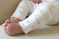 Personalized Baby Leggings - they make such a fab baby gift!