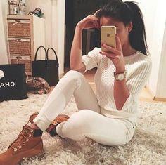 How to wear timberland boots – Just Trendy Girls Tomboy Fashion, Fashion Mode, Fashion Killa, Womens Fashion, Swag Fashion, Chanel Fashion, Dope Fashion, Fashion Black, Mode Timberland