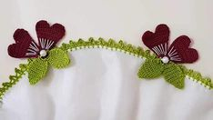 Kalp Motifli Tığ Oyası Yapımı See other ideas and pictures from the category menu…. Crochet Flower Tutorial, Crochet Flowers, Crochet Ideas, Knitted Poncho, Knitted Shawls, Saree Tassels, Knit Shoes, Crochet Borders, Bargello