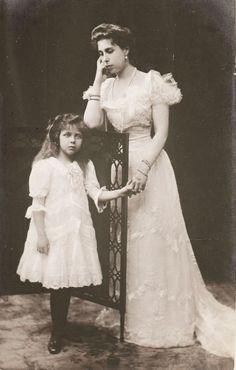 Grand Duchess Victoria Fyodorovna when Grand Duchess of Hesse, with her daughter Elisabeth