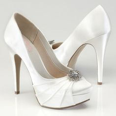 Reviews of this shoe:  Excellent, excellent service! The product is of great quality!! They are for my daughters wedding and she is absolutely in Love
