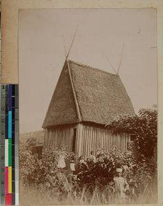 King Andrianampoinimerina's house, Antananarivo(?), Madagascar, ca.1900 :: International Mission Photography Archive, ca.1860-ca.1960