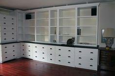 I love the idea of bookshelves above!